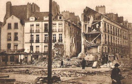 bombardements place du bouffay